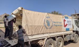 Media Image : Loading cargo in Kombolcha for Mekele